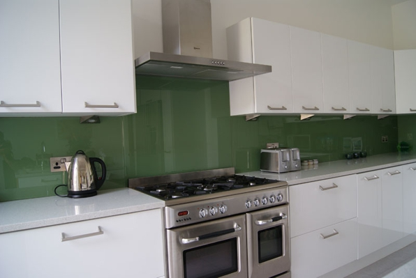 Salpicadero de vidrio para cocina - Frentes de vidrio para cocinas ...