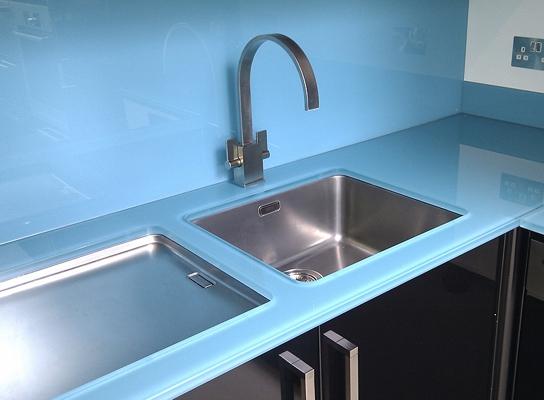 Vc 017 mesones de vidrio para cocina for Materiales para mesones de cocina